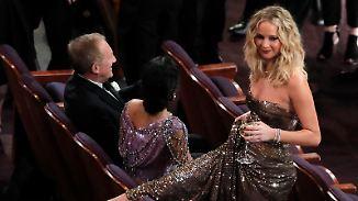 Tops und Flops bei den Gala-Roben: Jennifer Lawrence tanzt bei den Oscars aus der Reihe