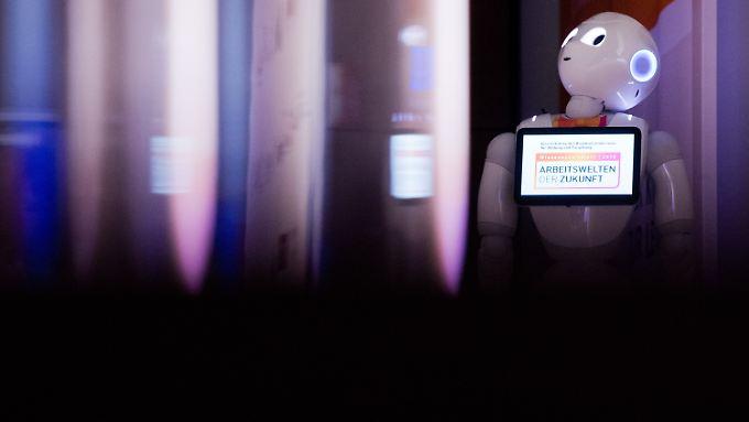 Dem Mangel an menschlichen Fachkräften könnten Roboter künftig entgegenwirken - so die Hoffnung.