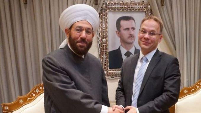 Christian Blex ist Landtagsabgeordneter in NRW und derzeit zu Besuch in Damaskus. Dort traf er den religiösen Führer Ahmed Hassun.