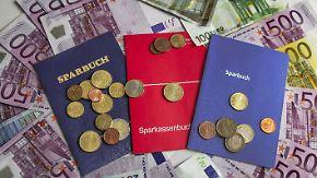 """""""Passt nicht auf deutsche Situation"""": Sparer hoffen auf schnelle Zinswende"""
