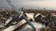 Absturz im Himalaya: Linienflugzeug verunglückt in Nepal