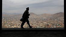 Machtbeweis in Afghanistan: Taliban verhängen Handy-Sperre