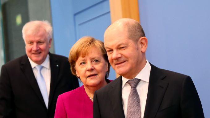 Horst Seehofer, Angela Merkel und Olaf Scholz haben sich viel vorgenommen: Sie wollen die Unzufriedenen zufriedener machen.