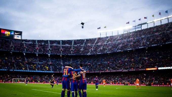 Jede Aktion wird im Camp Nou von den Barcelona-Fans kritisch beäugt.