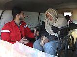 Verletzte verlassen Ost-Ghuta: Türkei kesselt Kurden in Afrin ein