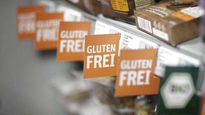 Nur lukrativ oder auch gesund? Glutenfreie Lebensmittel im Supermarkt.