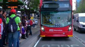 Doppeldeckerbusse begeistern Passagiere: Londons Wahrzeichen rollt durch Mexiko-City