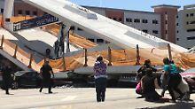 Schweres Unglück in Miami: Fußgängerbrücke begräbt Autos unter sich