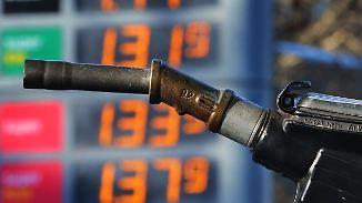 Preisschwankungen an der Zapfsäule: Wer zur richtigen Zeit tankt, spart eine Menge Geld