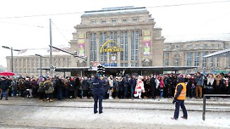 Leipziger Hauptbahnhof lahmgelegt: Winter-Comeback sorgt vielerorts für Chaos