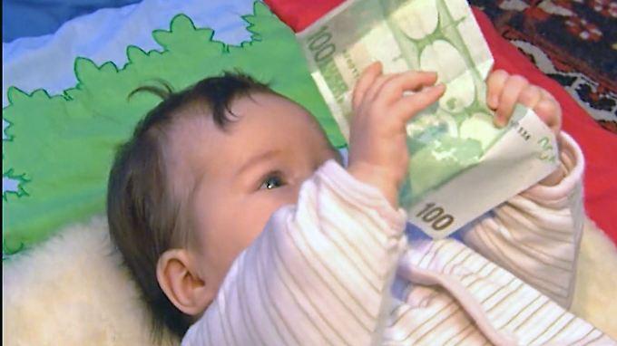 AfD entdeckt altes Thema: 343 Millionen Euro Kindergeld fließen ins Ausland