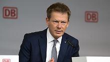 Seit 2017 ist Richard Lutz, langjähriger Mitarbeiter der Deutschen Bahn und promovierter Betriebswirt, Vorstandschef der Deutschen Bahn.