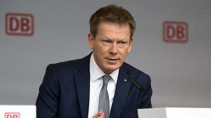 Since 2017, Richard Lutz, a longtime Deutsche Bahn employee and a Ph.D. in Business Administration, is the CEO of Deutsche Bahn.
