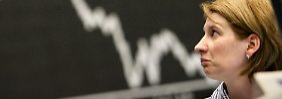 Der Börsen-Tag: 17:42 Dax rutscht wieder unter 13.000 Punkte
