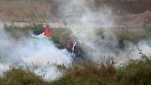 """Soldaten zielen auf """"Anstifter"""": 16 Menschen sterben bei Protesten in Gaza"""