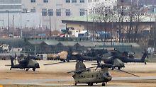 Hubschrauber stehen auf der US-Militärbasis Camp Humphreys in Pyeongtaek, südlich von Seoul.