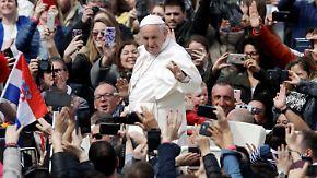 Ostern im Vatikan und Jerusalem: Papst verurteilt Kriegstreiber in Syrien