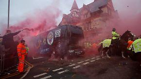 Mannschaft im Flaschenhagel: Liverpool-Fans attackieren City-Teambus