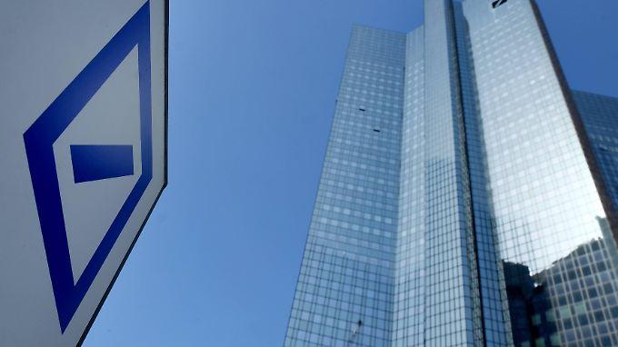 Stühlerücken bei der Deutschen Bank: Kommt nun die Fusion mit der Commerzbank?