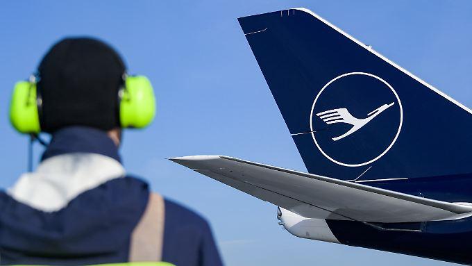 Ohne Flughafenpersonal hebt kein Lufthansaflieger ab.
