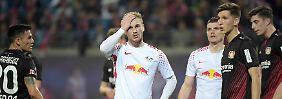 Ein gebrauchter Tag: RB-Stürmer Timo Werner fasst sich an den Kopf.