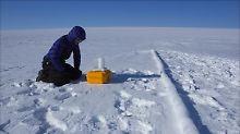 Hoher Salzgehalt vermutet: Zwei Seen unter hunderte Meter dickem Eis