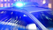 Horrorvorfall in Wuppertal: Mann greift sich Kind und springt vor Zug