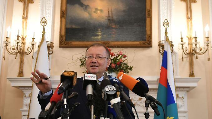 """""""Wenn wirklich jemand spionierte, warum haben sich die britischen Dienste nicht darüber beschwert?"""", fragt Botschafter Alexander Jakowenko."""