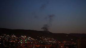 Giftgasfabriken bombardiert: USA und Verbündete greifen Ziele in Syrien an