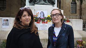 """Die Aktivistinnen Pia Zammit (l.) und Clemence Dujardin wollen die Behörden mit """"Occupy Justice"""" unter Druck setzen."""