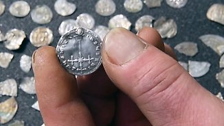 Sensationeller Fund auf Rügen: 13-Jähriger entdeckt Silberschatz des Dänenkönigs Blauzahn