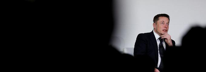 Elon Musk: Gestresst, aber immer noch optimistisch, wie er im Interview sagt.