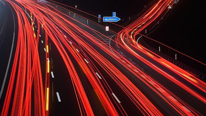 Der Zenit beim weltweiten Autoabsatz ist überschritten, aber was passiert nun? Wo geht die Reise hin?