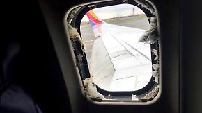Frau stirbt nach Notlandung: Triebwerk explodiert und reißt Passagierin fast aus dem Fenster