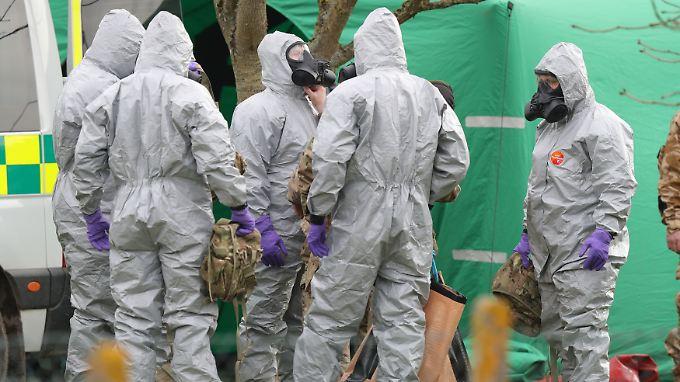 Britische Behörden dekontaminieren in Salisbury noch immer die Orte, an denen sich Skripal und seine Tochter am Tag des Attentats aufgehalten haben.