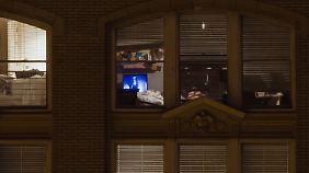 """In """"Windows"""" fragt Jason Allen Lee nach den Grenzen von Privatheit."""
