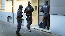 Mit gefakten Jobs zu Hartz IV: NRW geht mit Razzia gegen Sozialbetrug vor