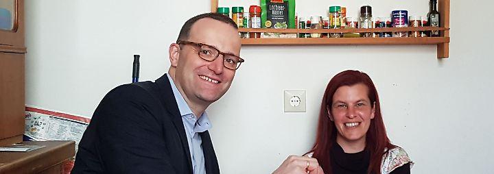 Treffen in Karlsruhe: Spahn besucht Hartz-IV-Kritikerin Sandra Schlensog