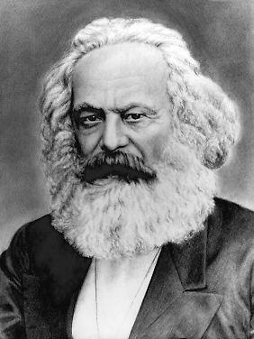 """Marx auf einer Zeichnung von Wladimir Dworan """"Marx in den siebziger Jahren"""", nach einem Ausschnitt der Originalfotografie von John Mayall, die von Marx als eine Art frühe """"Autogrammkarte"""" in verschiedenen Ausschnitten und Größen verwendet wurde."""