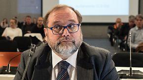 Zeuge im Loveparade-Prozess: Duisburger Ex-Oberbürgermeister beteuert seine Unschuld