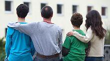 Der Anteil der Menschen, die im Ausland geboren sind liegt in Thüringen bei nur 5,9 und in Sachsen bei 6,3 Prozent.