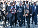 """Millionen feiern Tag des Sieges: """"Unsterbliches Regiment"""" marschiert"""