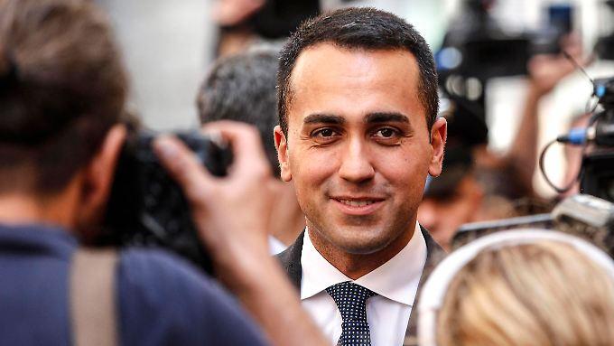 Luigi Di Maio von der Fünf-Sterne-Bewegung einigt sich mit der rechtsextremen Lega Nord.