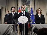 """""""Es gibt internationale Fristen, die uns dazu zwingen, uns zu beeilen"""", sagt Di Maio (Mitte) nach seinem Gespräch mit dem Präsidenten Mattarella."""
