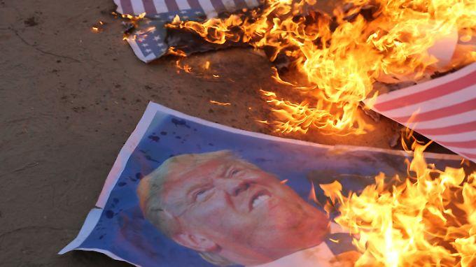 Krawalle während Botschaftseröffnung: USA und Israel beschuldigen Hamas für Dutzende Tote