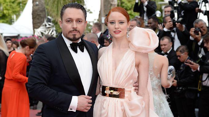 Eheversprechen in Cannes: Barbara Meier und ihr Freund Klemens Hallmann.