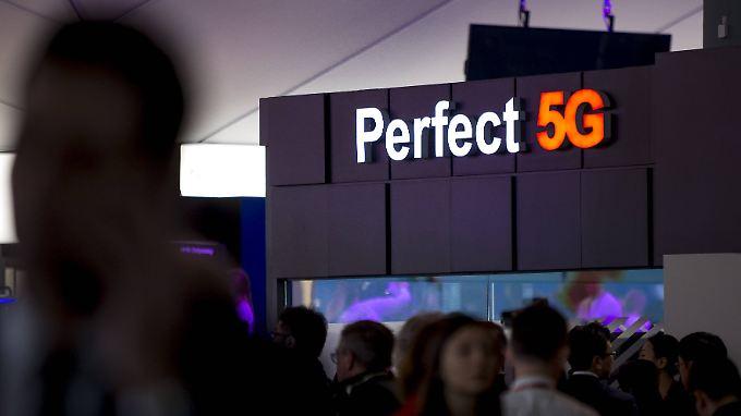 Rein technisch sollen 5G-Netze zum Start Datenraten von bis zu 10.000 Megabit pro Sekunde (MBit/s) ermöglichen.