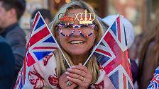 Spannung vor der Royal Wedding: Die ersten Fans pilgern nach Windsor