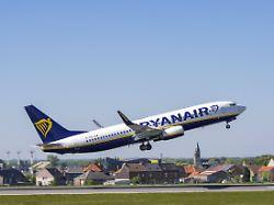 Trotz sinkender Ticketpreise: Ryanair fährt mehr Gewinn ein