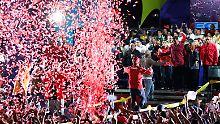 Feierte sich vor seinen Anhängern als Wahlsieger: der neue und alte venezolanische Präsident Nicolás Maduro.